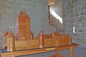 Maquette en bois de la Toque d'Huriel
